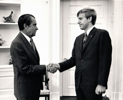 Bill Olson at meeting of White House Interns with President Nixon in 1971